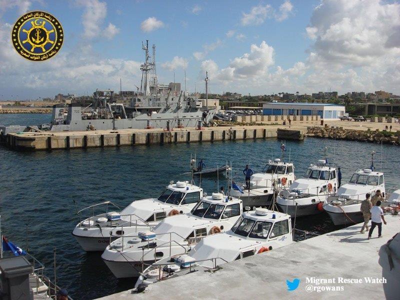 """L'immagine diffusa dall'account Twitter di  """"Migrant Rescue Watch""""   Italia Libia accordo anti-immigrazione"""