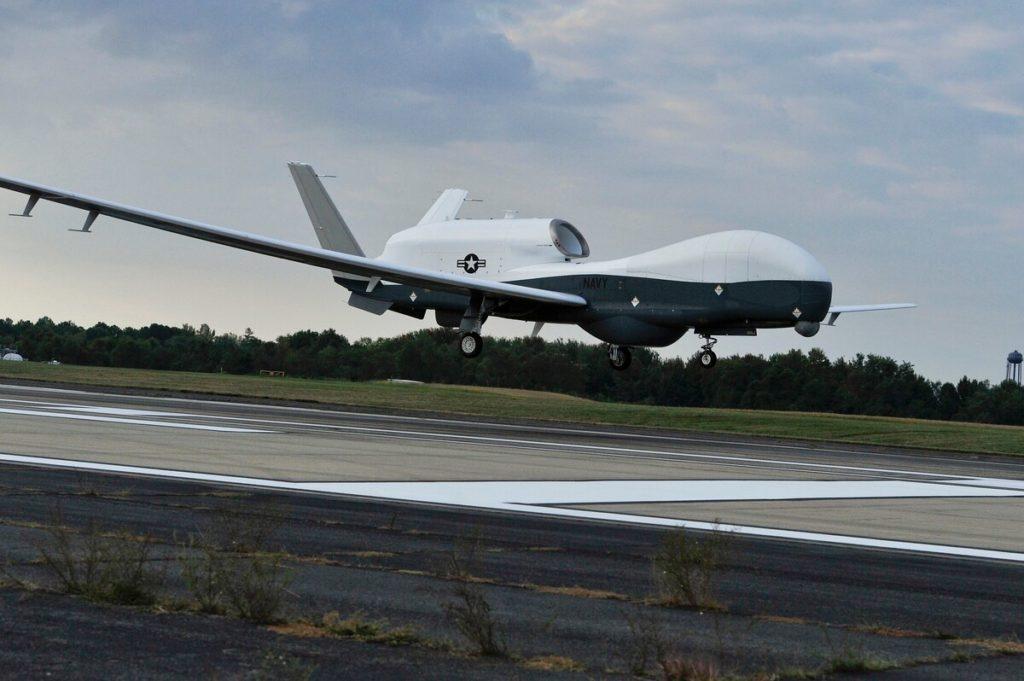 Un MQ-4C Triton della US Navy in fase di atterraggio. (Kelly Schindler/US Navy)   Germania rinuncia al Triton