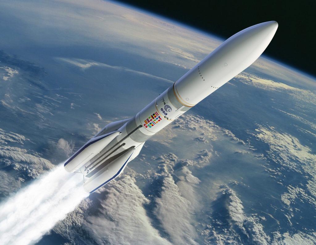 Disegno della configurazione dell'Ariane 6 dotata di 4 booster (A64). (ESA – D. Ducros)   Europa Ariane 6 space economy  Europa Ariane 6 space economy