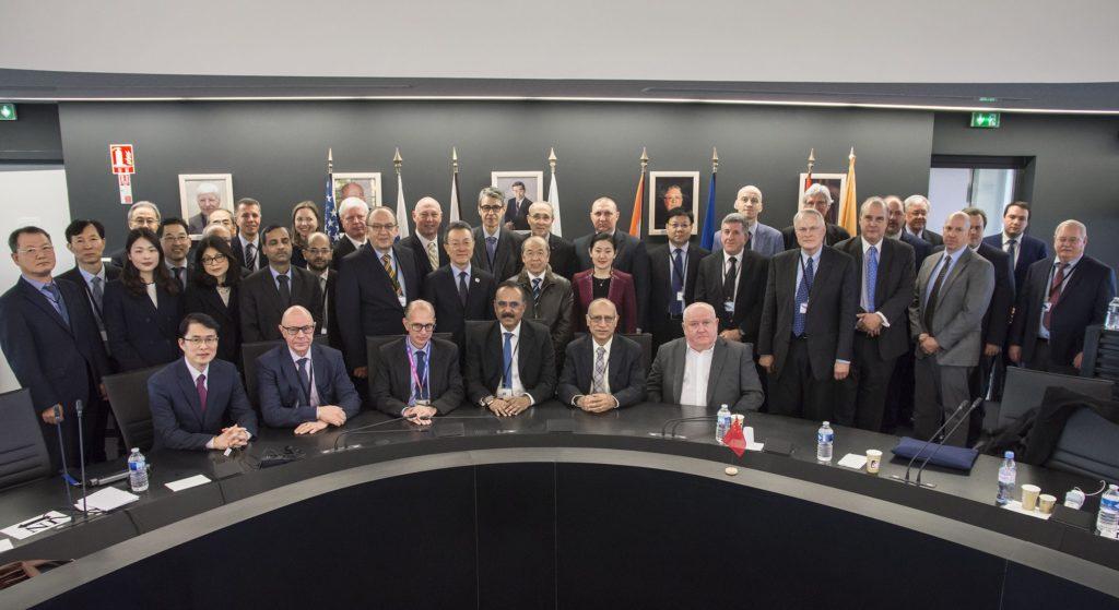 Il 20 e 21 novembre 2019, l'ITER Council si è riunito per la 25a volta dalla firma dell'accordo ITER, l'ultima prima dell'inizio dell'assemblaggio del reattore termonucleare sperimentale, previsto per il marzo 2020. (ITER Organization)