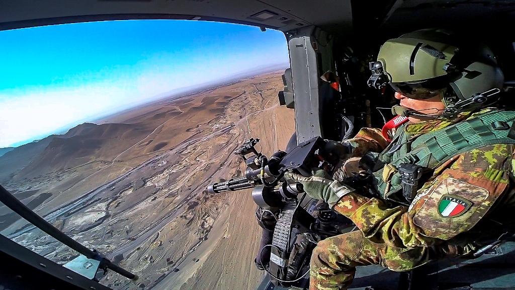Esercitazione di evacuazione sanitaria nell'ambito della missione in Afghanistan. (Ministero della Difesa)