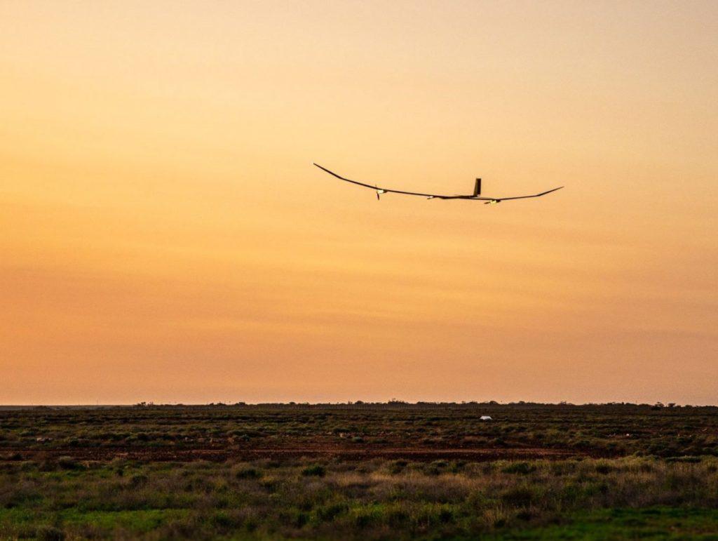 PHASA-35 pesa soltanto 150 kg e le sue ali, lunghe 35 metri, sono completamente ricoperte di pannelli fotovoltaici. (BAE Systems)  BAE Systems PHASA-35   BAE Systems PHASA-35