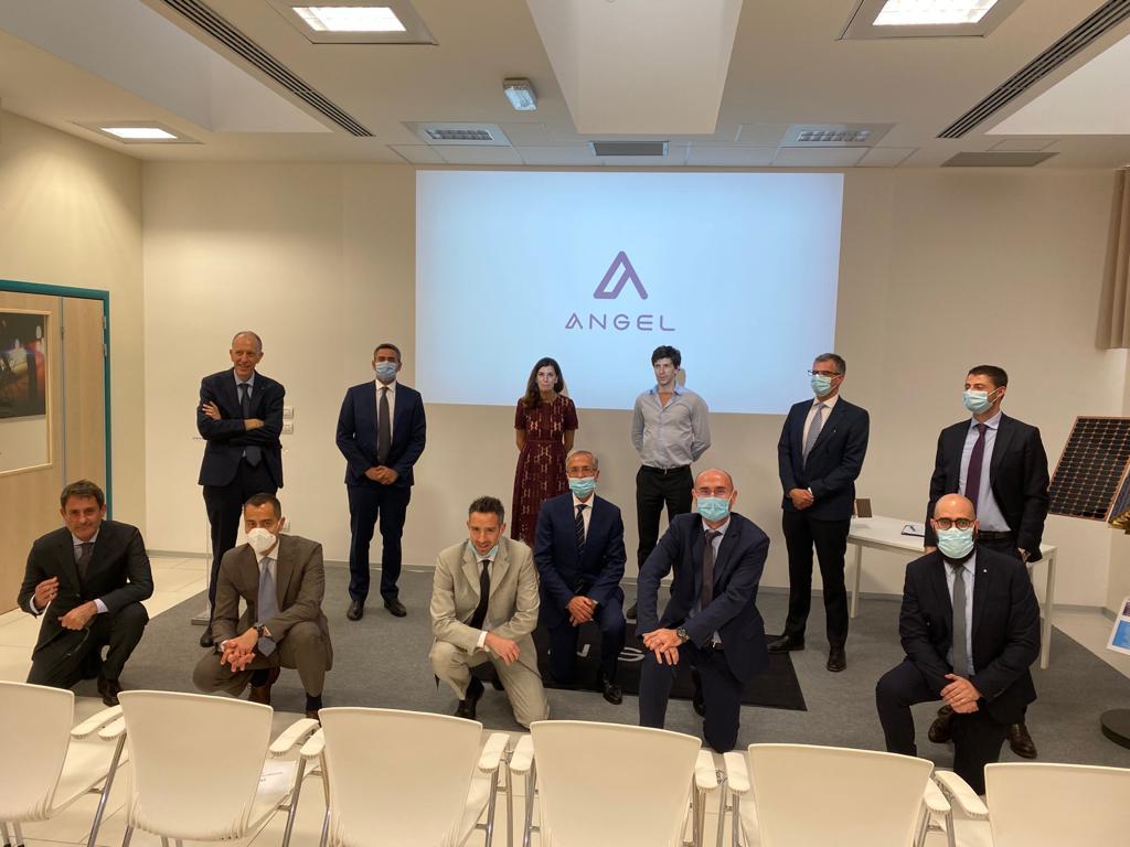 I rappresentanti delle società firmatarie dell'Accordo Commerciale concluso nell'ambito del programma PLATiNO. (Angel)