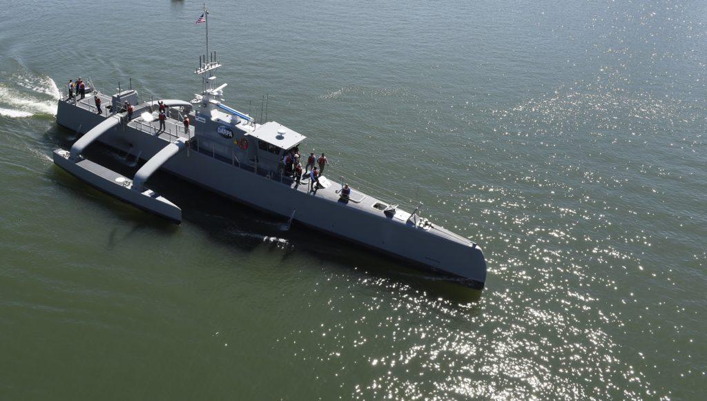 Il MDUSV (Medium Displacement Unmanned Surface Vehicle) Sea Hunter, una piattaforma sperimentale senza equipaggio sviluppata dalla DARPA e trasferita alla Marina statunitense. (US Navy)