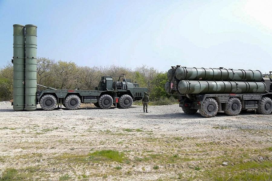 "Il sistema missilistico terra-aria ""Triumf"" S-400.  USA S-400 Turchia  USA S-400 Turchia  USA S-400 Turchia"