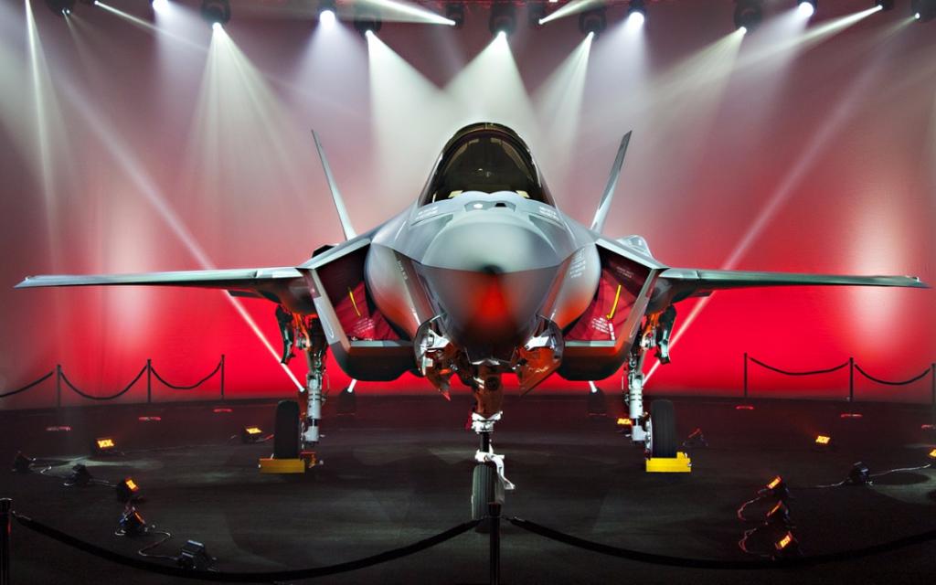 L'Aeronautica turca prese formalmente consegna dei primi due F-35 il 21 giugno 2018, nel corso di una cerimonia tenutasi a Fort Worth (Texas), ma nessun Lightning II di Ankara ha mai lasciato gli Stati Uniti.