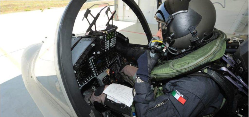 Il sistema integrato di bordo per la simulazione all'addestramento tattico (ETTS), derivato dall'AJT, permette all'M-346FA di essere comunque utilizzato anche come velivolo a getto per l'addestramento avanzato e pre-operativo (LIFT), di offrire l'intera gamma delle funzioni di addestramento simulato in volo e di integrarsi nel sistema di addestramento (ITS) dell'M-346, pienamente qualificato e con funzionalità Live, Virtual, Constructive (LVC).