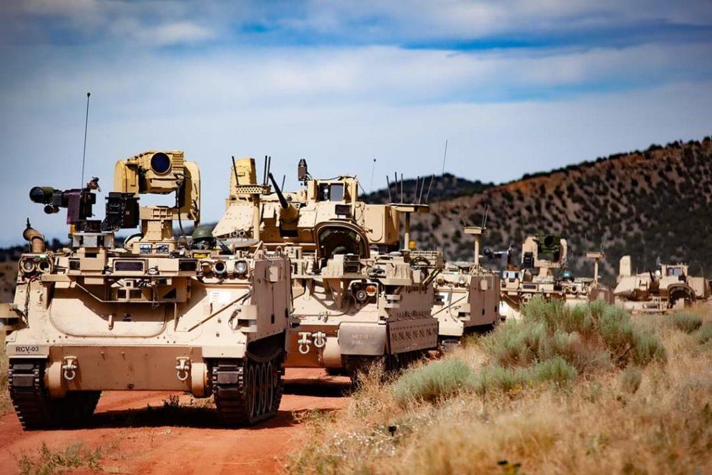 Colonna mista di veicoli con e senza equipaggio a bordo impegnata nei test di Fort Carson (Colorado) dal 15 giugno al 14 agosto 2020. (Fonte: Ground Vehicle Systems Center)   Combat Vehicle