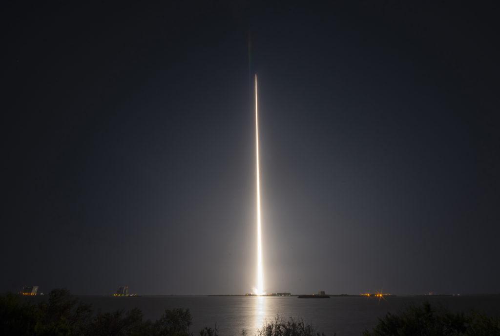 Un razzo ULA Delta IV che trasporta la missione WGS-10 decolla dallo Space Launch Complex-37 di Cape Canaveral alle 8:26 p.m. del 15 marzo 2017. (United Launch Alliance)  anti-jamming satelliti WGS   anti-jamming satelliti WGS   anti-jamming satelliti WGS