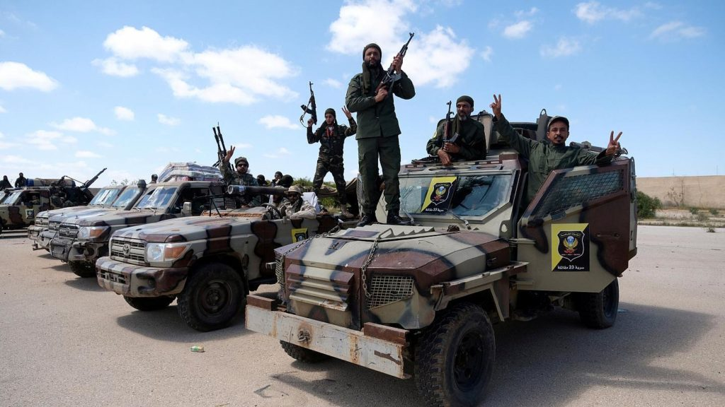 Combattenti del Libyan National Army (LNA) al comando del generale Khalifa Haftar.