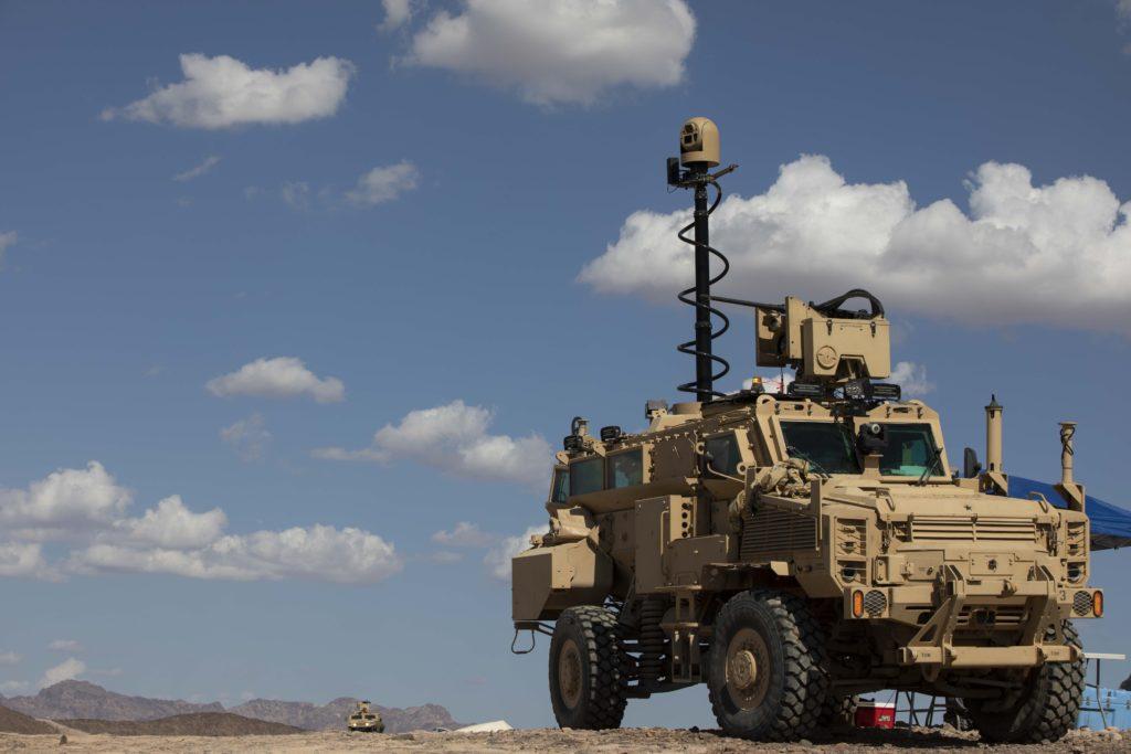 Un surrogato del veicolo  Next-Generation Combat Vehicle Mine-Resistant Ambush Protected impiegato per un'esercitazione di fuoco reale nell'ambito della  Project Convergence.