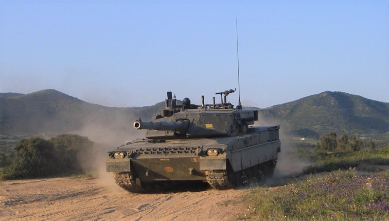 L'MBT Ariete dovrebbe essere sostituito da un nuovo carro da battaglia a partire dalla metà del prossimo decennio. (Esercito Italiano)  Italia Polonia MBT