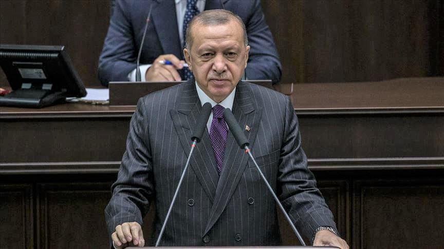 Un frame del video dell'annuncio del presidente turco Erdogan della scoperta di nuove riserve di gas naturale nel Mar Nero. (Foto da Anadolu Agency)
