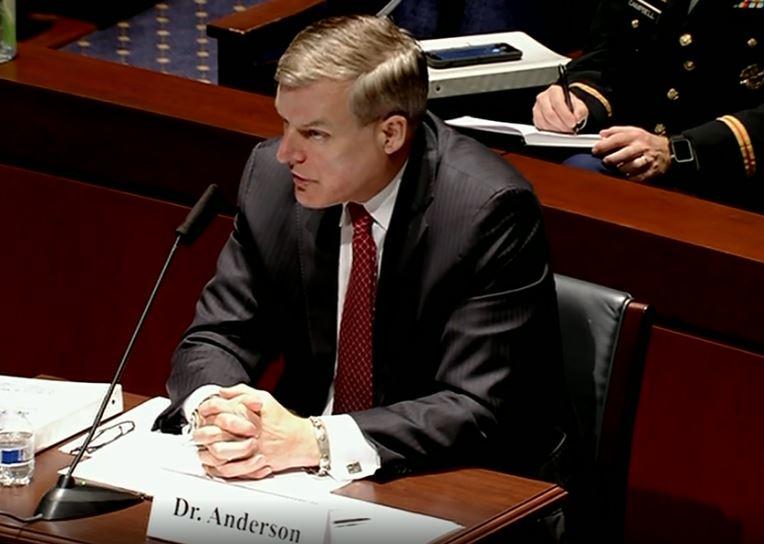 Il sottosegretario della Difesa per la Politica di difesa e sicurezza nazionale, James Anderson, durante l'audizione tenutasi il 30 settembre presso la Commissione per le Forze Armate della Camera dei Rappresentanti del Congresso USA. (Foto da US DoD)