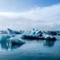 lo scioglimento dei ghiacciai, causato dal surriscaldamento globale, ha creato nuove rotte commerciali