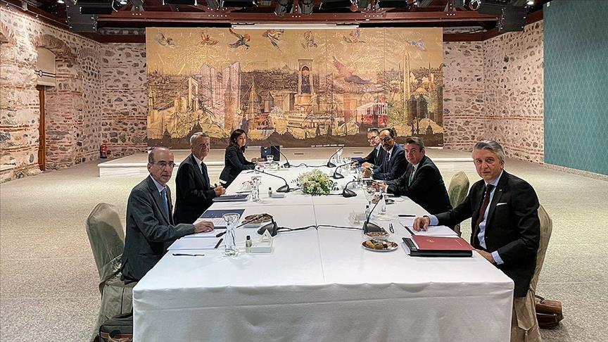 Il 61° ciclo di colloqui si è tenuto a porte chiuse il 25 gennaio presso l'Ufficio Dolmabahce di Istanbul. (Foto da Anadolu Agency)