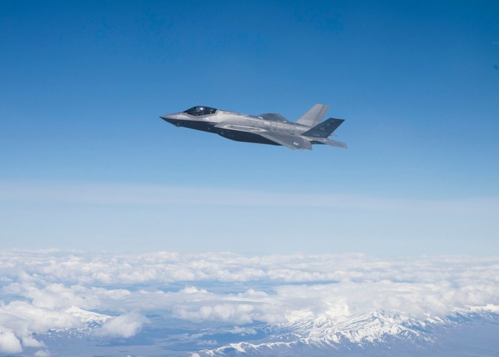 Un F-35A sorvola lo Utah. (Foto da Air National Guard)