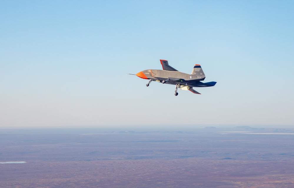 Un'altra fase del test di volo del drone di Boeing. (Foto: Commonwealth of Australia, Department of Defence)