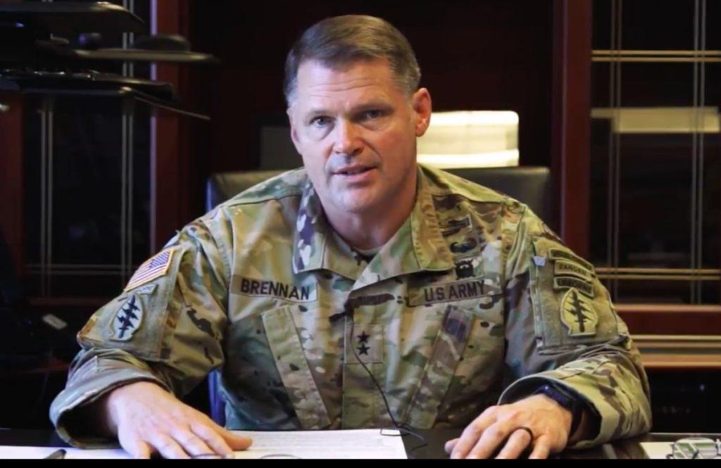 Il Maj. Gen. John Brennan, comandante del 1st Special Forces Command (Airborne) di stanza a Fort Bragg (North Carolina).  USA   USA   USA   USA   USA