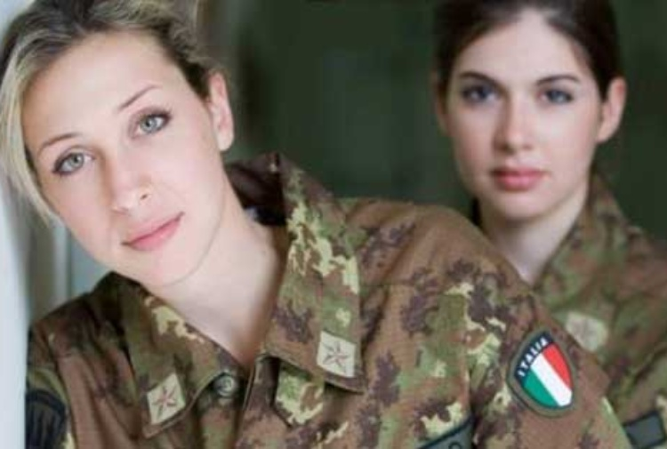 Due donne militari dell'Esercito Italiano. (Fonte: Esercito Italiano)     Tatiana Basilio  Tatiana Basilio