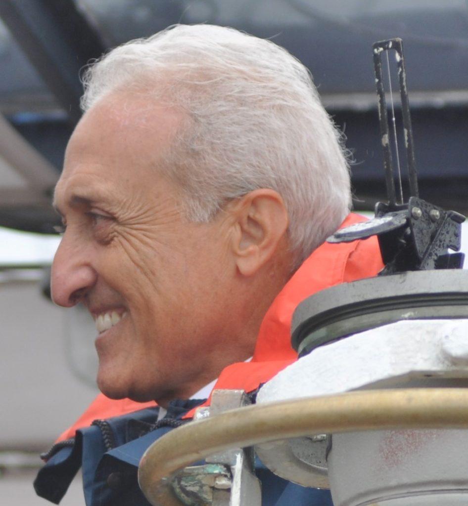 L'Ammiraglio di Squadra (r) Cristiano Bettini, già Sottocapo di Stato Maggiore della Difesa e Presidente dell'Organismo di valutazione della performance (OIV) del Ministero della Difesa.