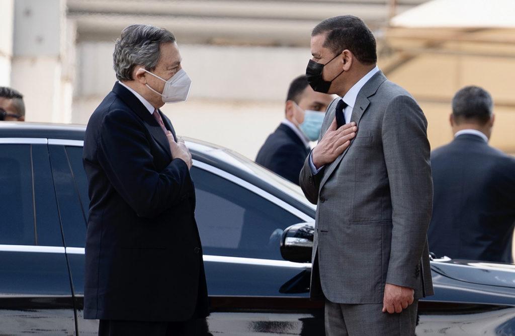Il Presidente del Consiglio, Mario Draghi, è ricevuto dal Primo Ministro Abdelhamid Dbeibah. (Fonte: Palazzo Chigi)