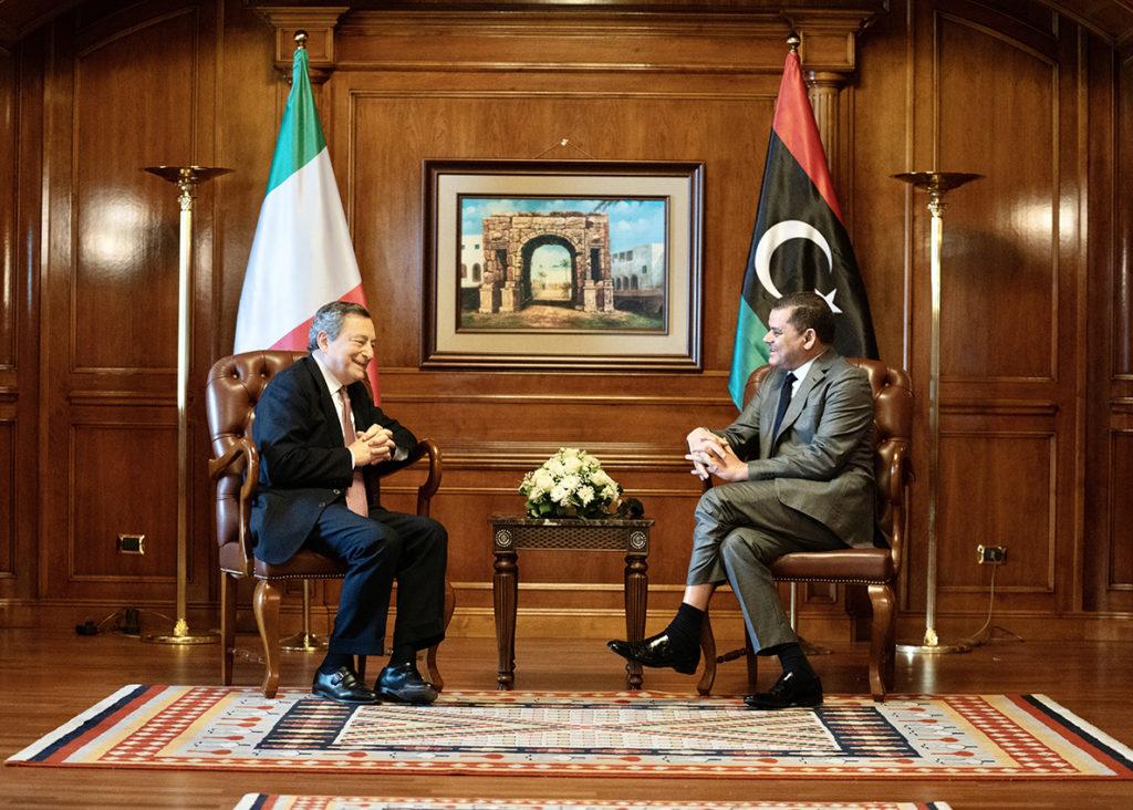 Il Presidente del Consiglio, Mario Draghi, a colloquio con il Primo Ministro Abdelhamid Dbeibah. (Fonte: Palazzo Chigi)