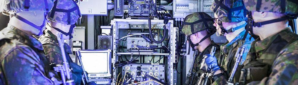 L'obiettivo del programma ESSOR è quello di sviluppare l'architettura Software Defined Radio (SDR) e la nuova coalizione ESSOR High Data Rate (HDR) WaveForm, allo scopo di facilitare l'interoperabilità tra le forze armate europee attraverso tecnologie all'avanguardia. (Fonte: OCCAR)