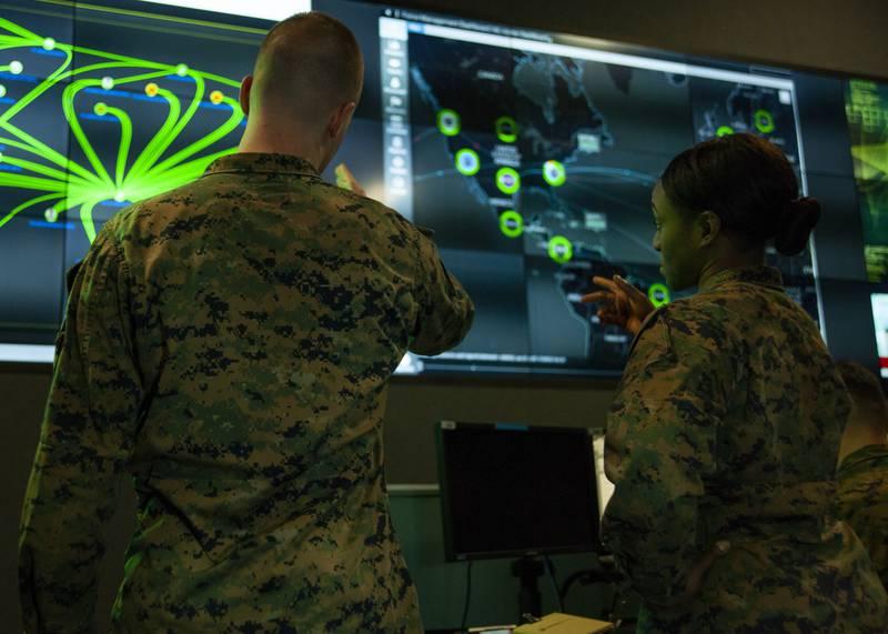 Militari del Marine Corps Forces Cyberspace Command. (Fonte: U.S. Marine Corps)