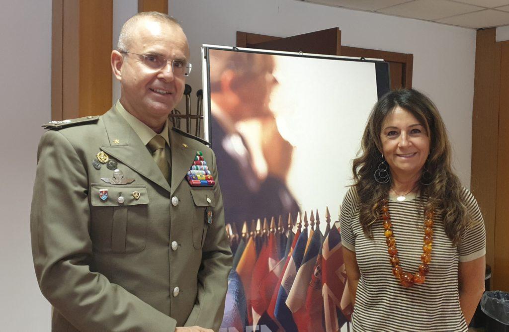 """Il generale di brigata Michele Caccamo, direttore della """"Task Force DIFESA per la valorizzazione immobili, l'energia e l'ambiente"""" e Ilaria Bertini, direttrice del Dipartimento ENEA Unità Efficienza Energetica. (Fonte: ENEA)"""