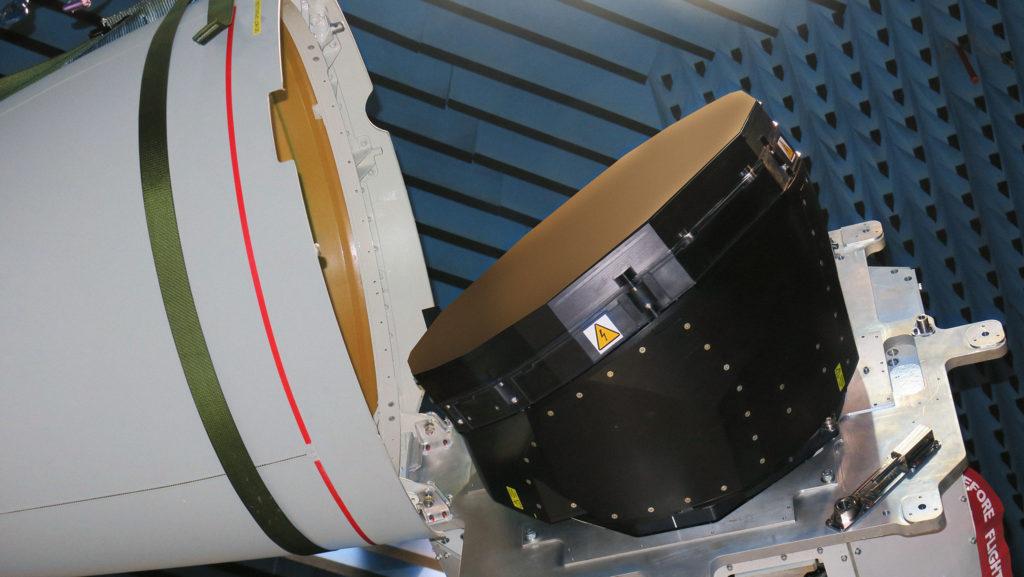 Il radar ECRS Mk2 in fase di test nella sede di Leonardo a Edimburgo.  (Fonte: Leonardo)